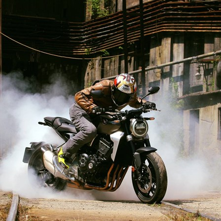 4-SR Bekleidung joins Honda GEDE