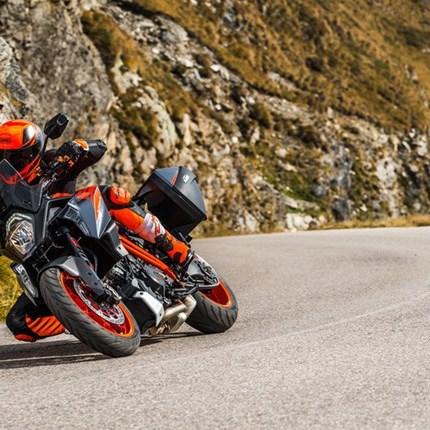 KTM 1290 SUPER DUKE GT: UPGRADE FÜR MODELLJAHRE 2016-2018 KTM 1290 SUPER DUKE GT: UPGRADE FÜR MODELLJAHRE 2016-2018 Besitzer einer KTM 1290 SUPER DUKE GT de... Weiter >>