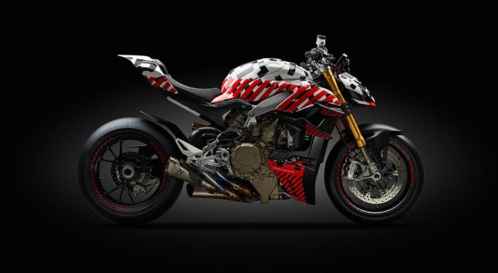 Ducati beim Broadmoor Pikes Peak International Hill Climb mit dem Prototyp des Streetfighter V4