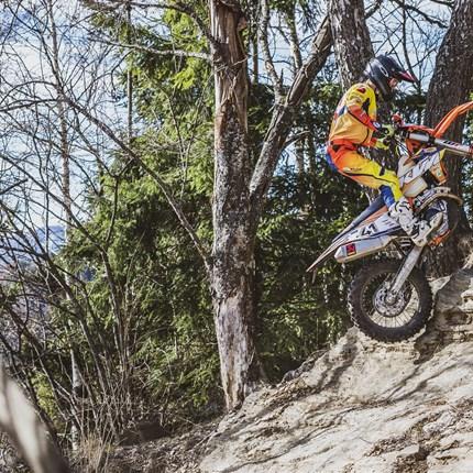 KTM Walzer Teamrider zeigten solide Leistungen beim Enduro ÖM Lauf in Rothenfels und Hillclimbing Rennen in Rauris! Der vierte Lauf zur diesjährigen Enduro Staatsmeisterschaft ging gemeinsam mit dem dritten Lauf zur... Weiter >>