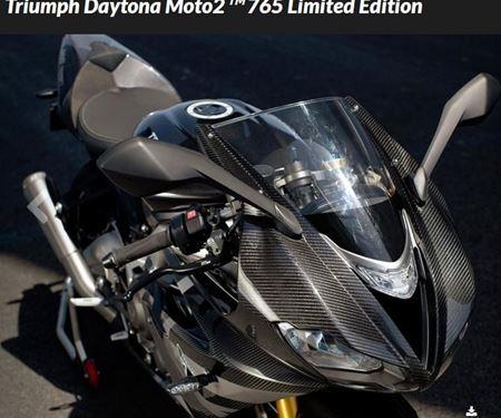 Kfz- und Zweirad-Technik Marcel Schmidt-News: WM-Feeling inklusive: Neuvorstellung der Triumph Daytona Moto 2 765 Limited Edition in Silverstone