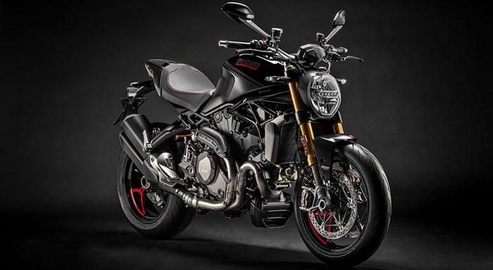 """Vorschau auf das Modeljahr 2020: die Ducati Monster 1200 S wird """"Black on Black"""""""