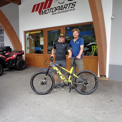 >>>HUSQVARNA BICYCLES - MOUNTAIN CROSS 7<<<  >>>HUSQVARNA BICYCLES - MOUNTAIN CROSS 7  Um seine körperliche Fitness braucht sich unser mbRACING/TEAM Pilot Martin Ortner, a... Weiter >>