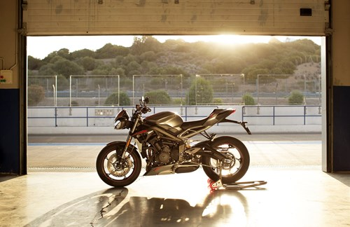 Triumph Street Triple RS 2020 - Unbeatable!