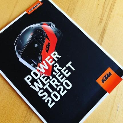 KTM Powerwear STREET 2020 + KTM Powerwear Casual & Accessories KTM Powerparts…  ....die neue KTM PowerWear Kollektion und die neuen Kataloge sind eingetroffen!!!  ... KTM Powe... Weiter >>
