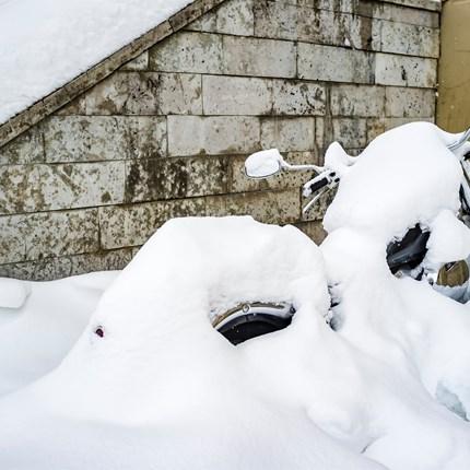 Motorrad einwintern  Wir wintern dein Bike Fachmännisch ein.   Die Saison neigt sich dem Ende zu. Wir bieten an, Ihr Schätzchen fachmännich Einzuwi... Weiter >>