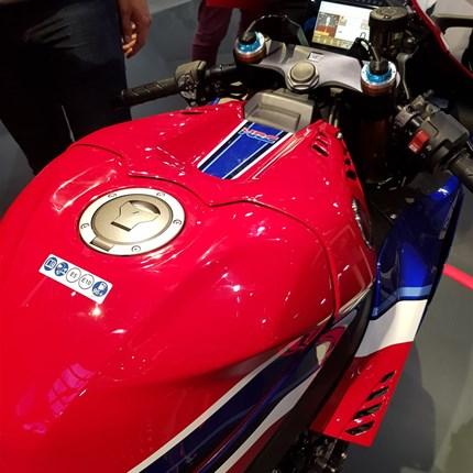 EICMA - 01 Honda  Die ersten Eindrücke von der Mailänder Motorradmesse... Weiter >>