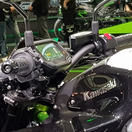 EICMA - 05 - Kawasaki  ... Weiter >>