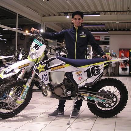 Neuzugang in unserem Enduro-Team!! Es freut uns, dass Manuel ab sofort ein Teil unseres Enduro-Team`s ist. Er wir ab sofort auf seiner neuen Husqvarna TE 300 i / 202... Weiter >>