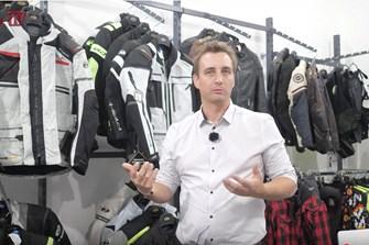 Bild zum Bericht: Neues 1000PS.at Video: Ausrüstung und Sicherheit! Welche Motorradbekleidung?