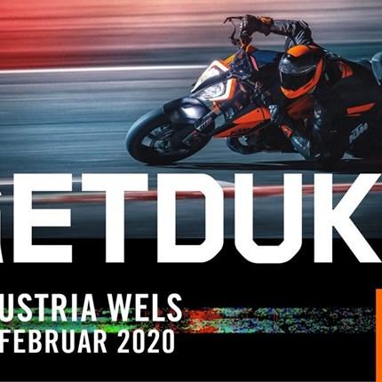 """KTM bei der Moto-Austria Wels   KTM-Modellhighlights auf der Messe Wels: Die KTM 1290 SUPER DUKE R wurde """"re-Beasted"""". Bereits i... Weiter >>"""