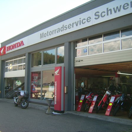 Fahrzeugverkauf und Werkstatt