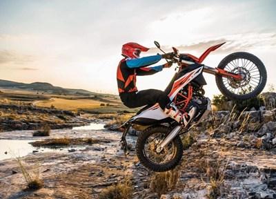 NEWS KTM 690 Enduro R zum Top Preis von 9899,-