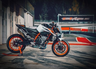 NEWS KTM 890 Duke Präsentation