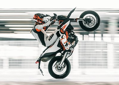 NEWS KTM 690 SMC R Modell 2019 jetzt um € 9999,-