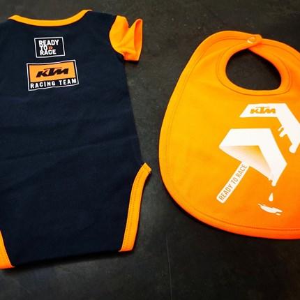 KTM Baby Body , Schnuller, Lätzchen und weiteres !!  KTM Baby Body , Schnuller, Lätzchen und weiteres !! Ready to be a racer !!