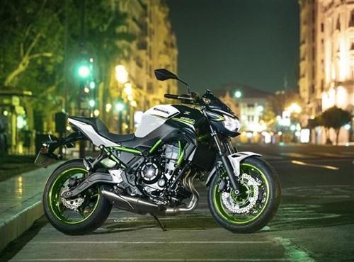 Kawasaki Z650 – mit neuen Farben bereit für die Saison 2021