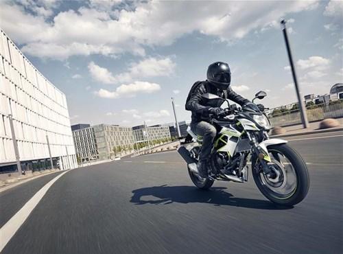 Kawasaki presenta su moto de entrada naked para 2021