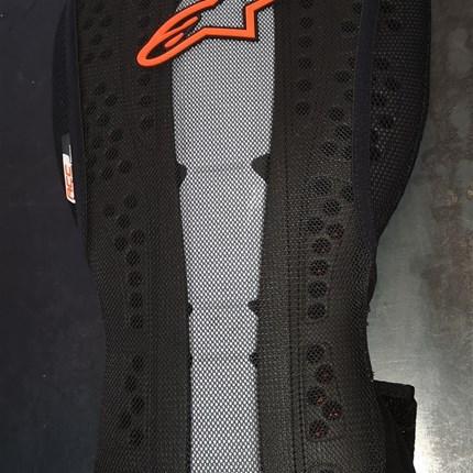 KTM Alpinestars Rückenprotektor !!  KTM Alpinestars Rückenprotektor ist wieder in allen Größen bei uns am Lager!!