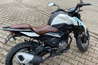 Neue 125ccm FK Motors Street Scrambler 125 Heck Umbau Weiß 125er