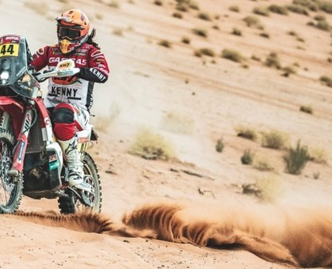 LAIA SANZ MAINTAINS TOP 20 RANKING FOLLOWING DIFFICULT DAKAR RALLY STAGE 10