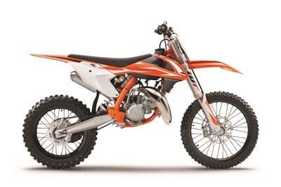 READY TO RACE 2018ER KTM-SX-MODELLE IN KÜRZE VERFÜGBAR  Alle KTM-2-Takt- und -4-Takt-Motocross-Motorräder – von der KTM 50 SX bis zum ultimativen Kraftpaket, der KTM 450 SX-F – bieten ... Weiter >>
