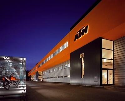 KTM Pressekonferenz EICMA - live Mit dem folgenden Link könnt ihr die KTM Pressekonferenz auf der EICMA live mit verfolgen.Start: Dienstag, 7.11. um 13:00UhrDiesen...