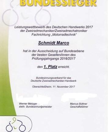 Wir haben nicht nur den besten aus Nordrhein-Westfalen sondern auch den Bundessieger Wir haben jetzt nicht nur den Landessieger---- sondern auch den BUNDESSIEGER!!! Wir gratulieren unserem Marco Schmidt zum sensatio...