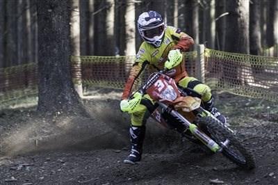 Team KTM Walzer - Video Gewinnspiel Mach mit und gewinne ein ganztägiges und super exklusives ONE on ONE Enduro-Fahrtechnik-Training mit dem 6-fachen Endutor Staatsme...