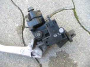 Bild von Yamaha TDM  850 96 00 Kupplungsarmatur   (p18)