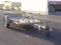 Anhänger zum Transport von max. drei Motorrädern