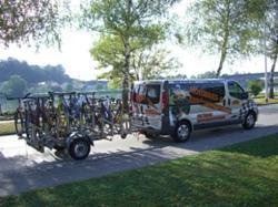 Wir transportieren bis zu 10 Fahrräder und 9 Personen