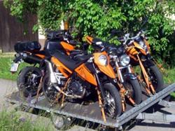 Mietanhänger für 4 Bikes / Quads