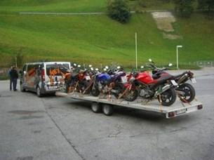 Bild von Motorradtransport bis 9 Personen und bikes