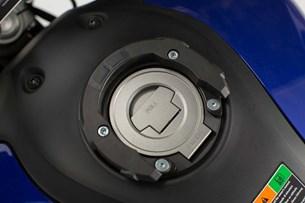 Bild von EVO Tankring. Schwarz. Ducati/ Triumph/ Yamaha. 5 Schrauben.