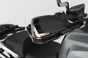 Bild von KOBRA Handprotektoren-Kit. Schwarz. BMW R1200, R1250, S1000XR, F750, F850.