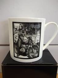 Triumph Kaffeebecher Ann-Margret