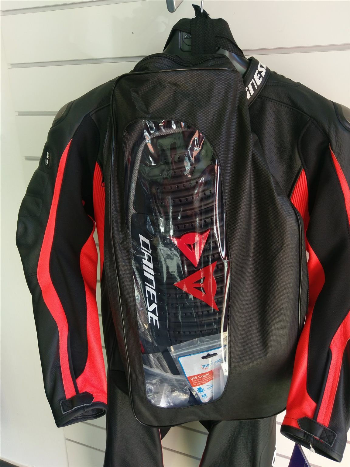 DAINESE D AIR RACING MISANO 1PC + Stiefel GRATIS