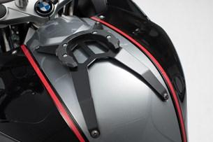 Bild von EVO Tankring. Schwarz. BMW F 800 R/S/ST/GT. Ohne Schrauben.