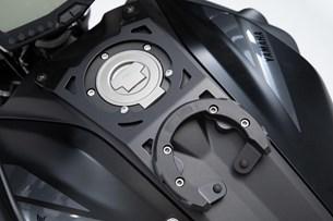 Bild von EVO Tankring. Schwarz. Yamaha MT-07 (18-).