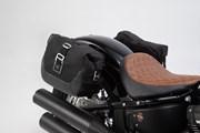 Legend Gear Seitentaschen-System LC Black Edition. Harley Davidson Softail Street Bob (18-).