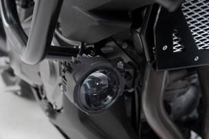 Bild von Scheinwerfer-Halter. Schwarz. Kawasaki Versys 1000 (18-).