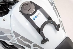 Bild von EVO Tankring. Schwarz. Honda CB500X (18-).