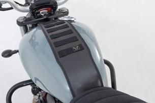 Bild von Legend Gear Tankriemen-Set. Triumph-Modelle (15-). Mit Zusatztasche LA2.