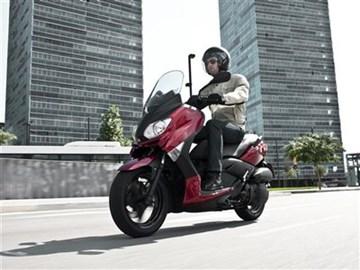 Leihmotorrad Yamaha X-Max 125