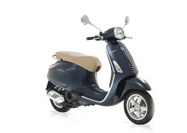 Leihmotorrad Vespa 125 Primavera