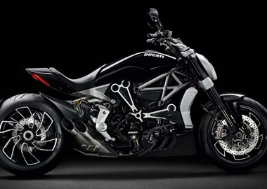 Leihmotorrad Ducati XDiavel S