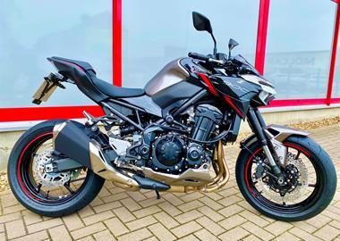 Leihmotorrad Kawasaki Z900