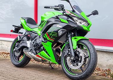 Leihmotorrad Kawasaki Ninja 650