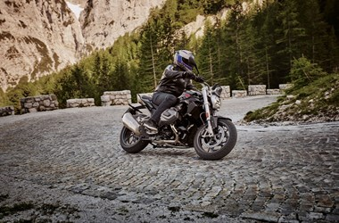 /rental-motorcycle-bmw-r-1250-r-15993
